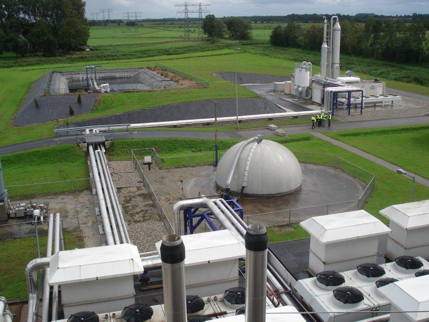 Biogas reprocessing installation